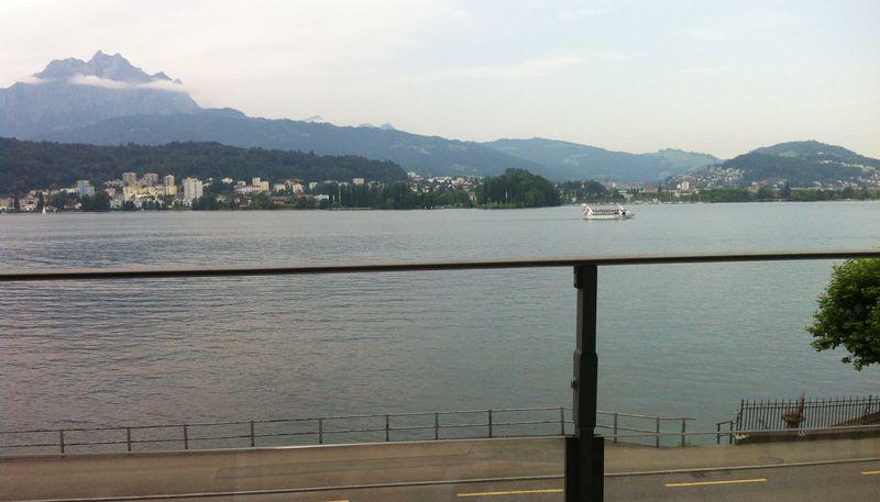 Schweiz-media-lotse in Schweiz: Full-Service Agentur – PR, Content, Mediaplanung, Web, VIP