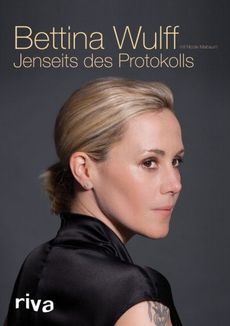"Platz 1: Bettina Wulffs Autobiografie ""Jenseits des Protokolls"" at faroo.com: bettina-wulff-buch"