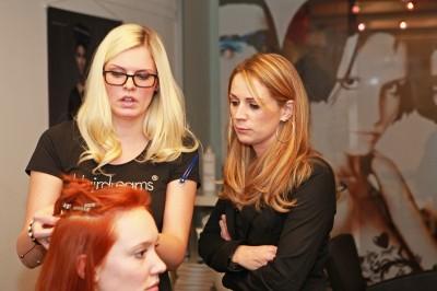 Sarah-Zirpins-Nicole-H Fer-Laura-Seibert-400x266 in Hairdreams: Haarverlängerungs- und Haarverdichtungsprofis mit starkem Markenauftritt bei 25 Jahre Ammer Partys