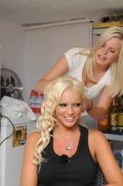Sarah-Zirpins-Daniela-Katzenberger-2-177x267 in TV: Promi-Friseurin Sarah Zirpins für Talkshow oder Doku zu Haaren, Beauty, Styling und Lifestyle