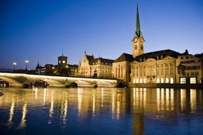 Z Rich-bei-Nacht-400x267 in Zürich-Trip mit Fashion Shows und Shopping