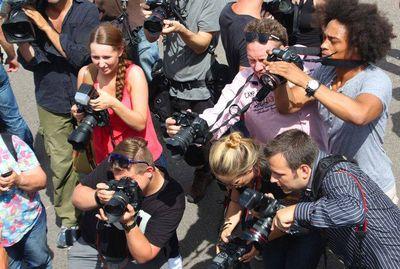 Jobs-medien in Journalisten und Pressesprecher gesucht