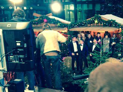 Auftritt-1 in Weihnachtstrio verzaubert TV Zuschauer